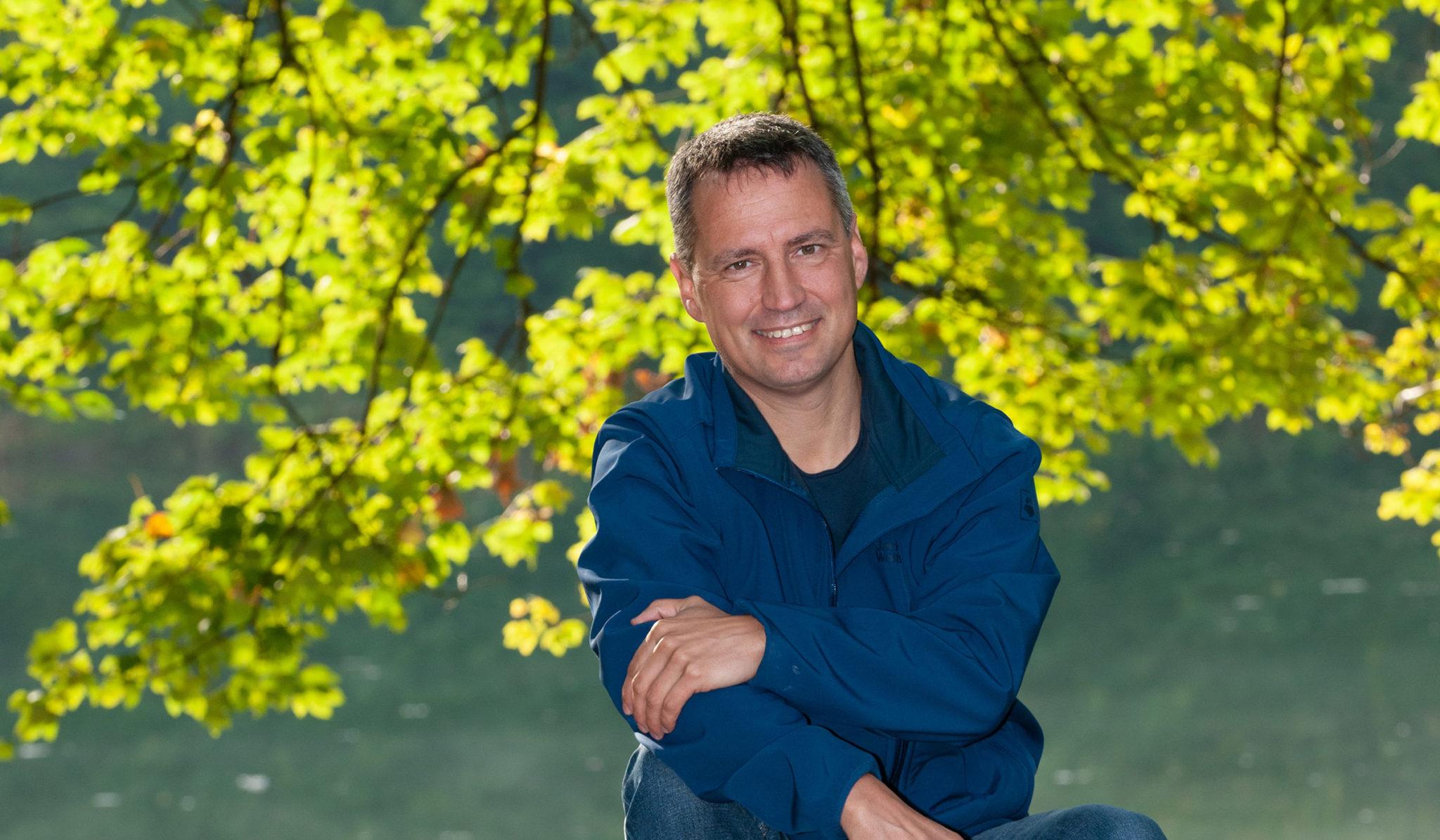 Markus Hiebl | unabhängiger Bürgermeisterkandidat Freilassing am Baggerweiher in der Freilassinger Au