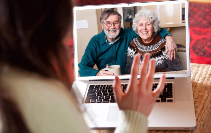 Bürgermeister Markus Hiebl | Grosseltern und Eltern digitalisieren